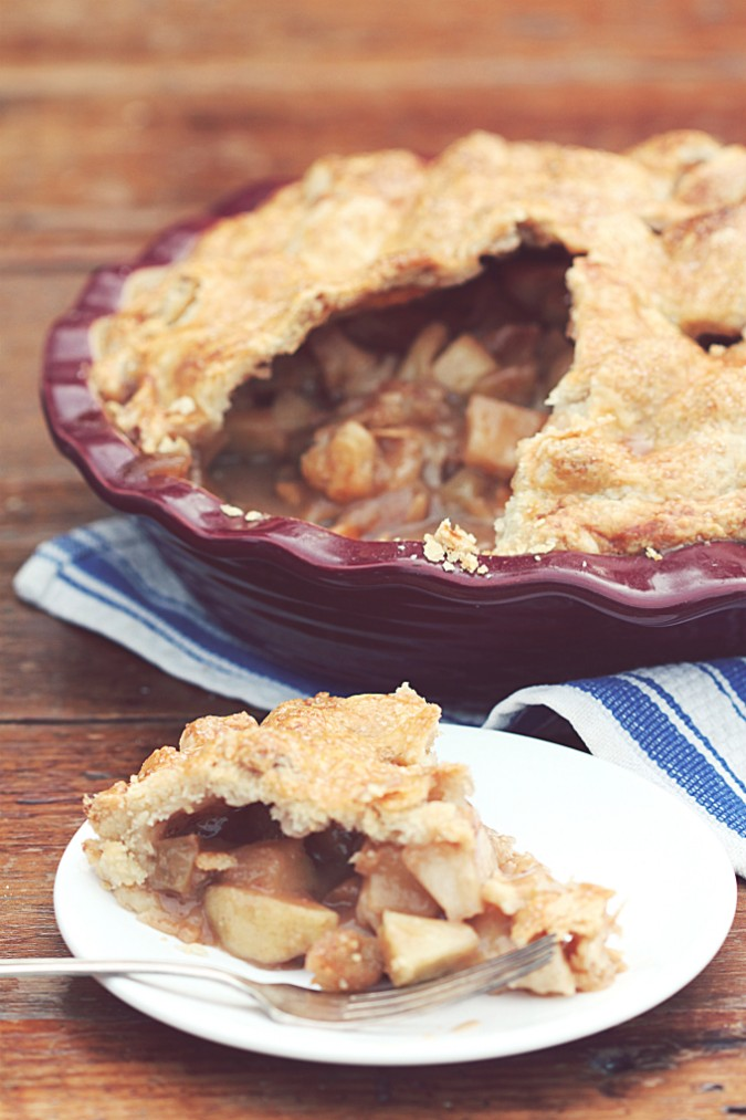 Double Crust Apple Pie - Golden Barrel Baking Products