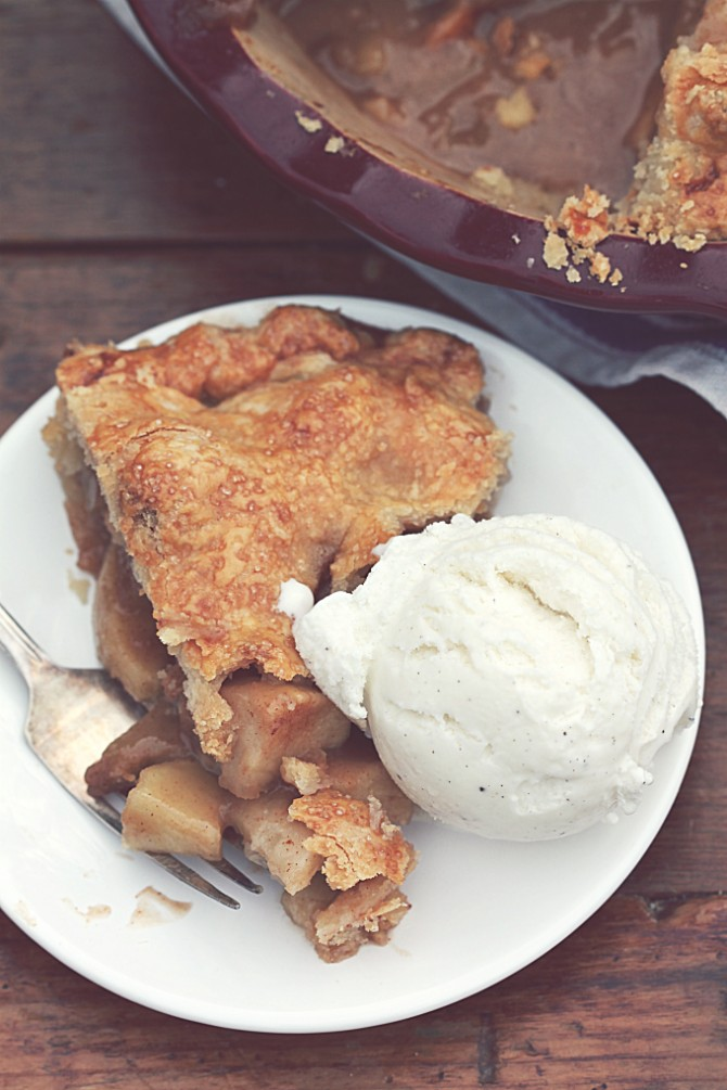 Double Crust Apple Pie with Ice Cream
