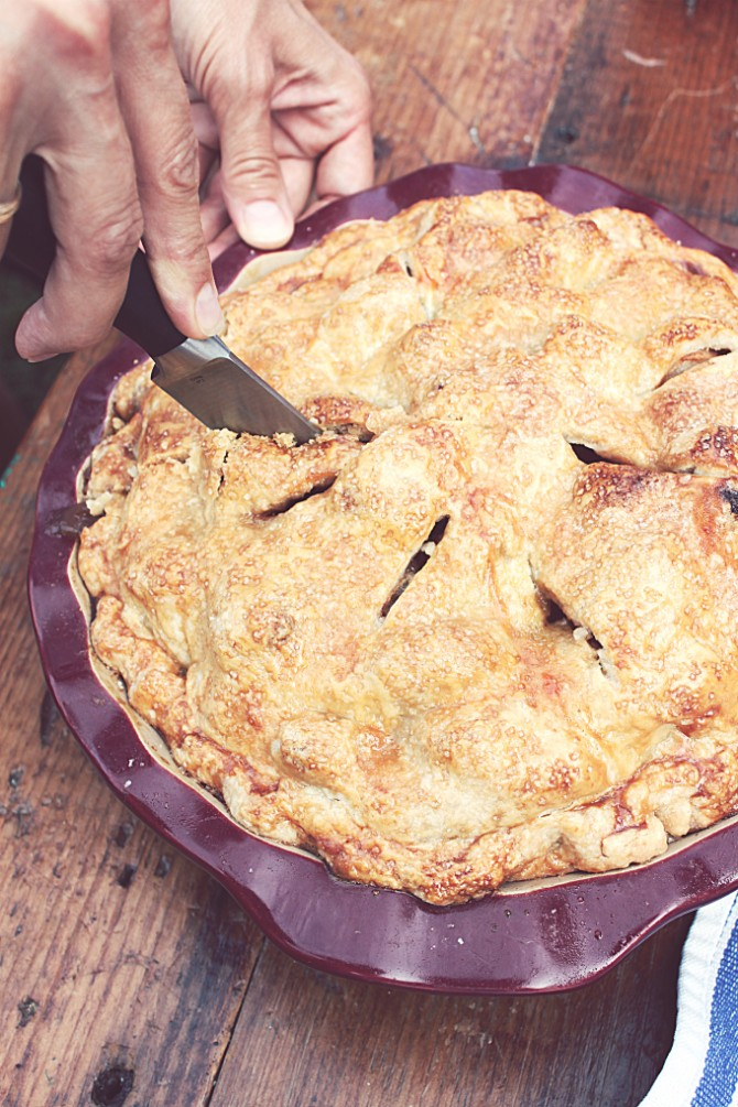 Cutting a Double Crust Apple Pie