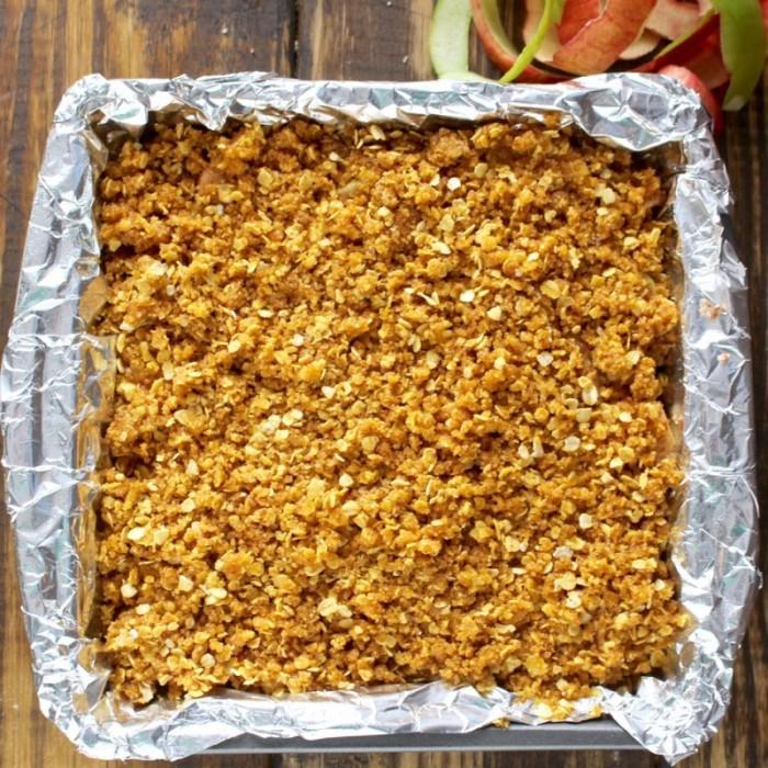 Apple Crumb Bars in a pan