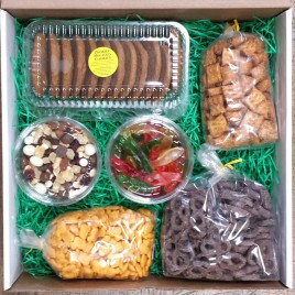 Snack Lovers Gift Box