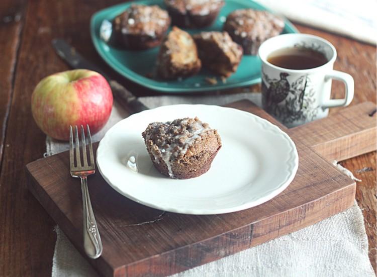 Glazed Apple Crumb Miffins