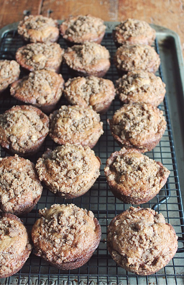 Apple Crumb Muffins - Golden Barrel