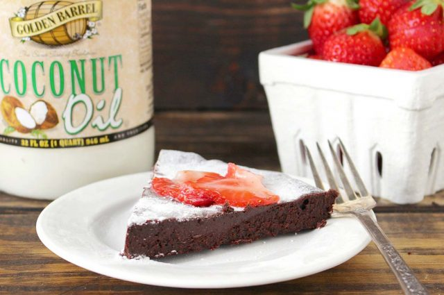 Flourless Chocolate Cake with Coconut Oil
