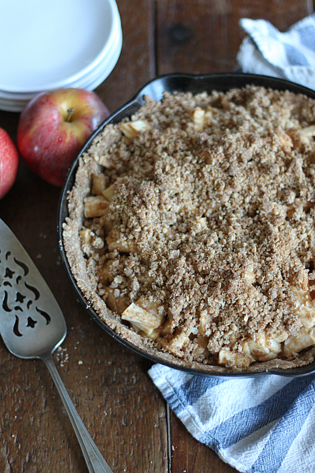 apple-pie-crumble-made-fresh-apples-cinnamon-brown-sugar-butter ...
