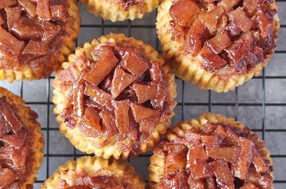 Paleo Apple Cinnamon Upside Down Muffins