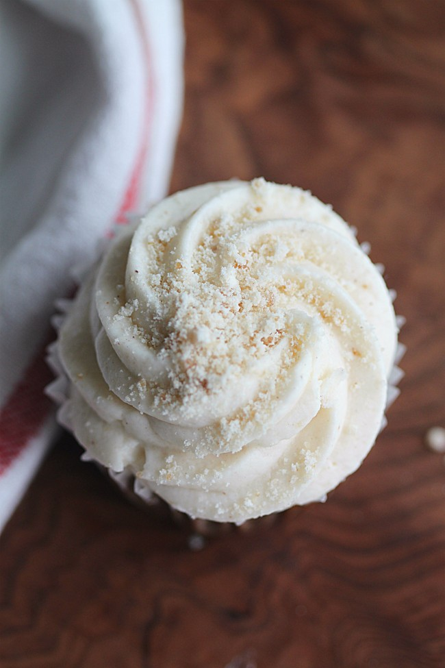 Shoofly Cupcake with Icing