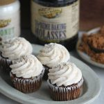 Shoofly Cupcakes with Cinnamon Crumb Icing
