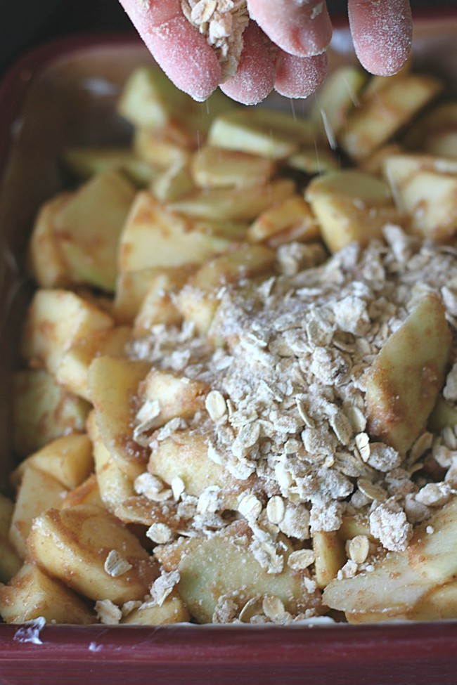 Easy Apple Crisp with Oatmeal Crumb Topping