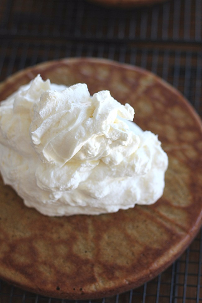 Whipped Cream and Cream Cheese Filling