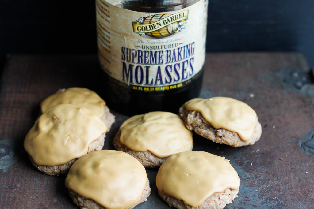 Molasses Iced Oatmeal Cookies with Golden Barrel Supreme Baking Molasses