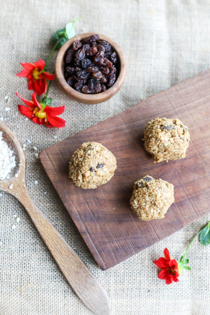 Oatmeal Cinnamon Raisin Energy Balls